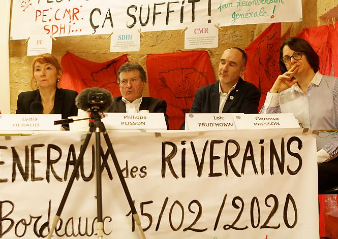 Florence Presson (à droite) vice-présidente du collectif des maires anti-pesticides, lors des EGR de Blaye en février 2020.
